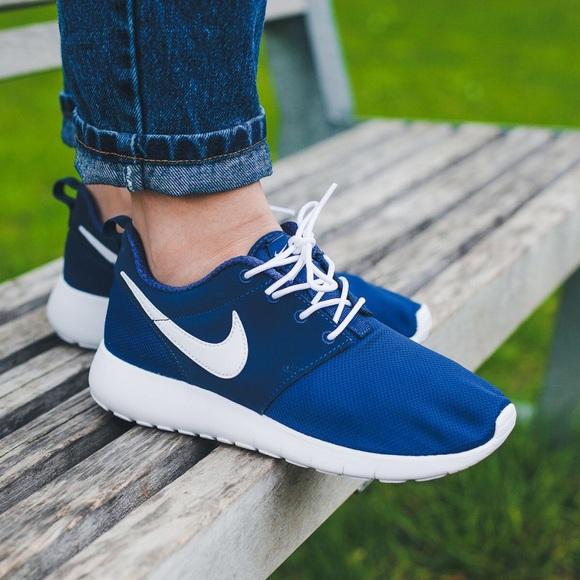 Nike Roshe One Midnight Navy 4.5Y 6 Women's